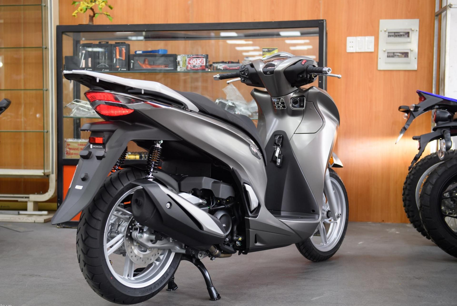 Mua Honda SH 350i: Cách phân biệt giữa xe nhập Ý và bản chính hãng Việt Nam 2