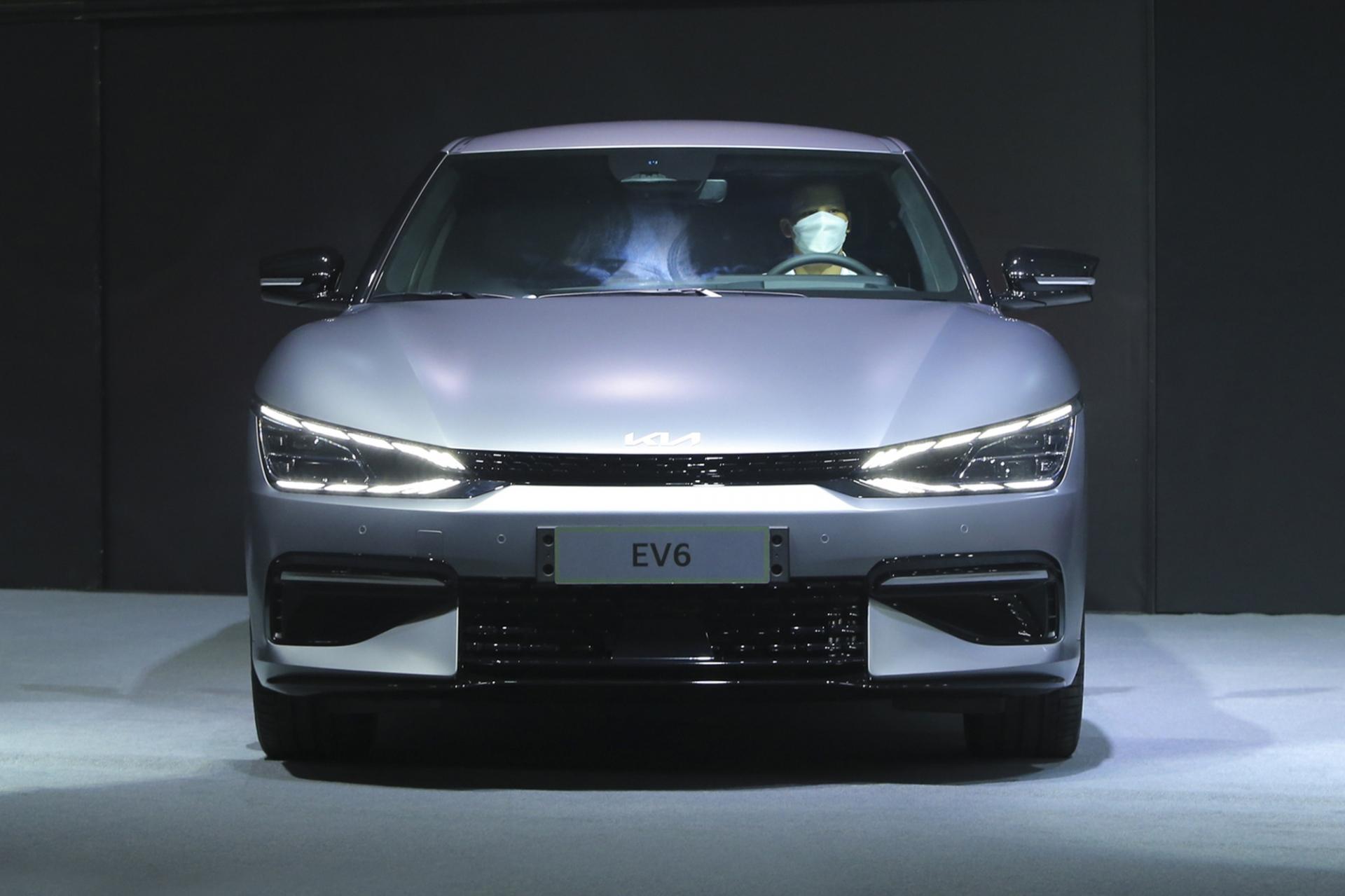 Xem trước Kia EV6 sắp được bán chính hãng tại Việt Nam, lá cờ đầu cho xu hướng hoàn toàn mới 1