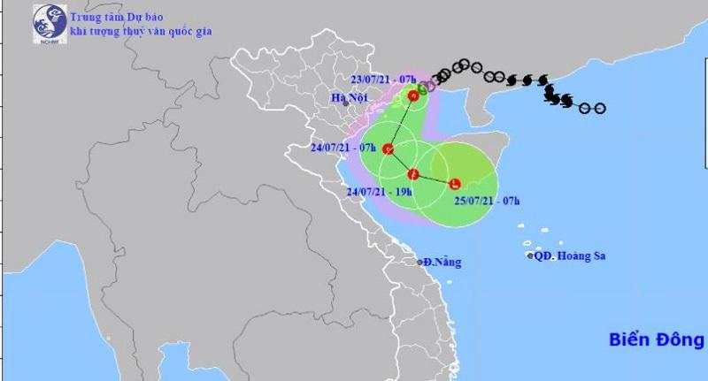 Áp thấp nhiệt đới gây gió giật mạnh tiến sát Quảng Ninh, các tỉnh thành giáp biển mưa lớn 1