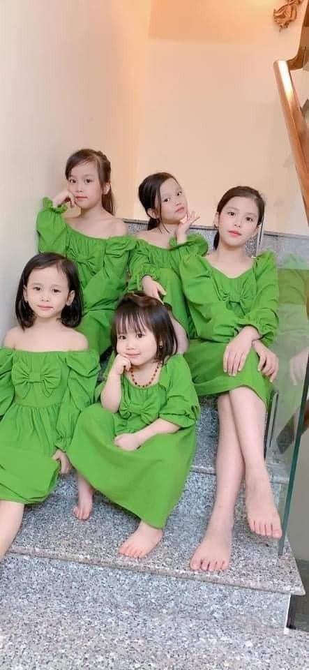 Cặp vợ chồng làm dậy sóng mạng xã hội khi sinh 5 gái 1 trai liền tù tì 4