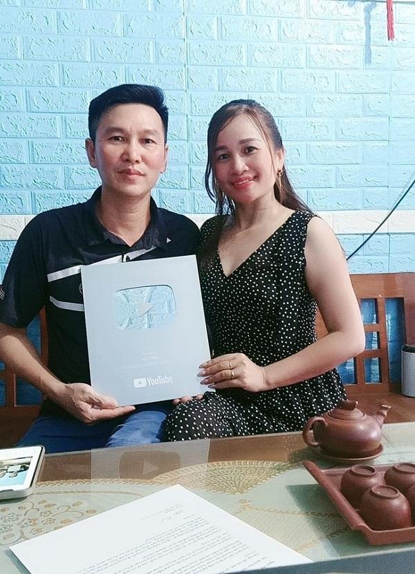 Hiện tượng Lê Thị Dần hậu nổi tiếng: Liên tục bị trai lạ tán tỉnh, 'mâu thuẫn' với chồng 6