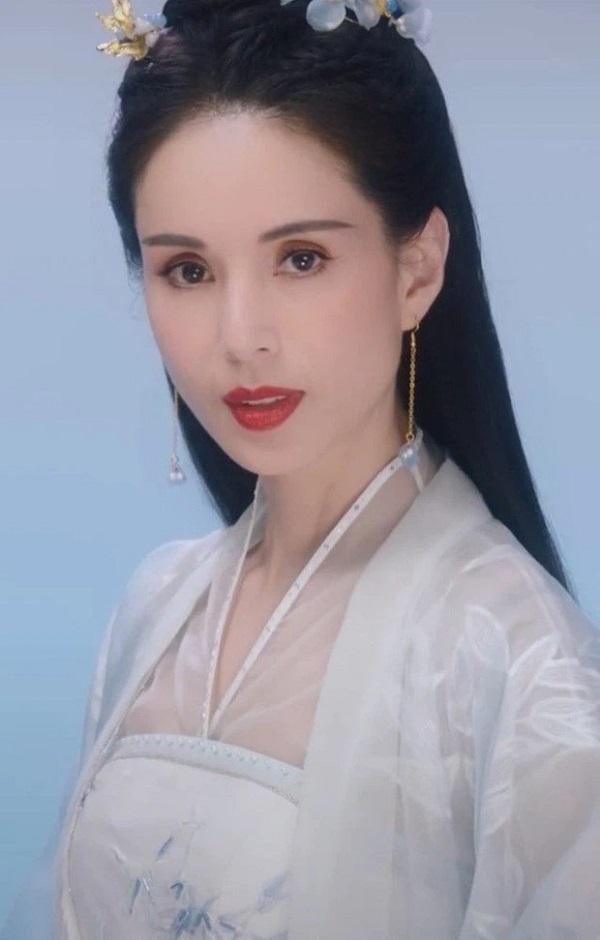 Đẳng cấp visual U60 của 'Tiểu Long Nữ' đỉnh nhất màn ảnh Hoa ngữ Lý Nhược Đồng 2