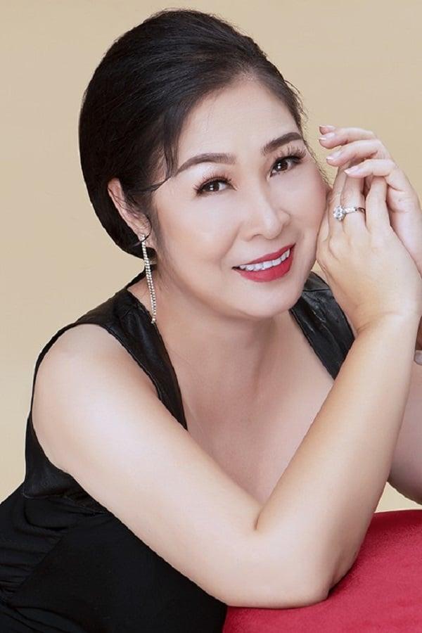 NSND Hồng Vân bất ngờ đổi tên fanpage thành Nghệ sĩ Hồng Vân 4