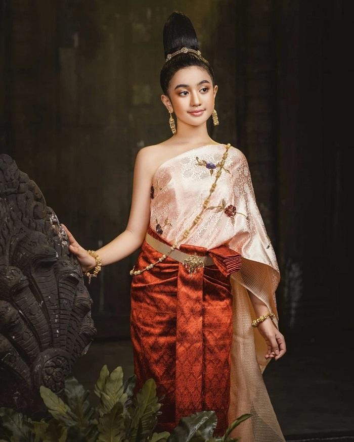 Cộng đồng mạng phát sốt trước nhan sắc tỏa hào quang của công chúa Campuchia 10