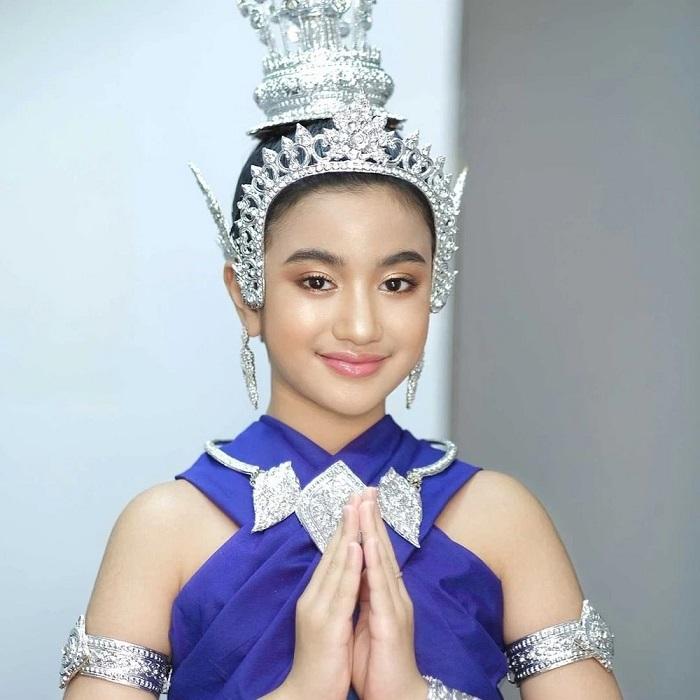 Cộng đồng mạng phát sốt trước nhan sắc tỏa hào quang của công chúa Campuchia 3