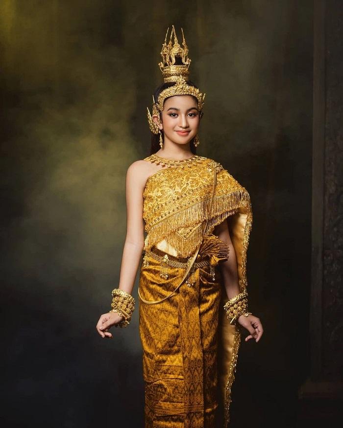 Cộng đồng mạng phát sốt trước nhan sắc tỏa hào quang của công chúa Campuchia 2
