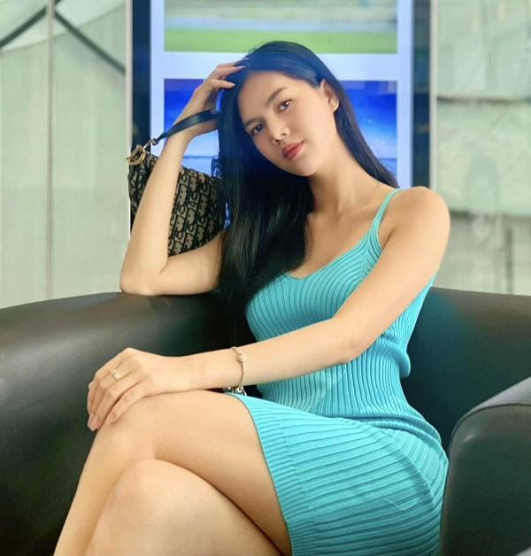 Người mẫu Ngọc Trinh cạo đầu, quy y cửa Phật ở tuổi 25 hậu trầm cảm 6