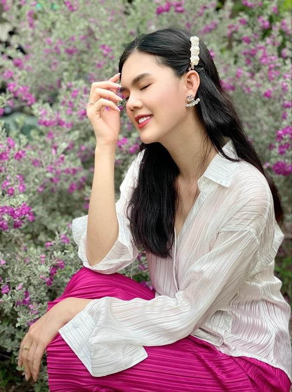 Vẻ đẹp chẳng thua kém 'nữ hoàng nội y' của người mẫu vừa đi tu Ngọc Trinh 7