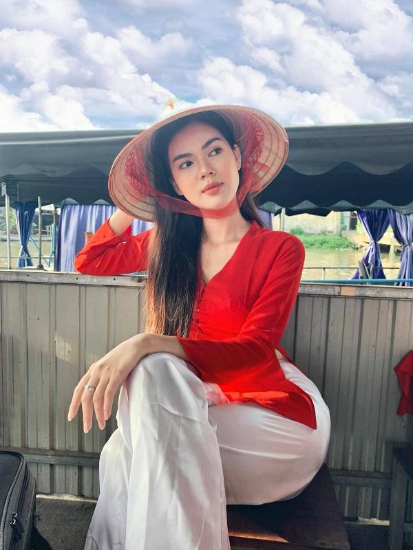 Vẻ đẹp chẳng thua kém 'nữ hoàng nội y' của người mẫu vừa đi tu Ngọc Trinh 3