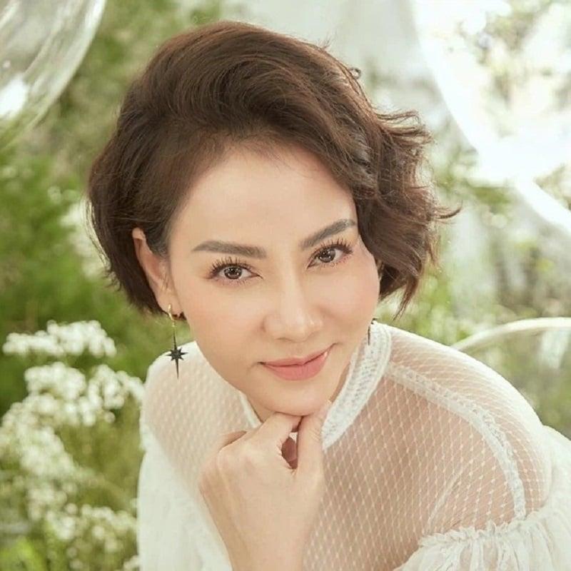 Ngỡ ngàng nhan sắc khác lạ của Thu Minh thuở chưa chồng 10
