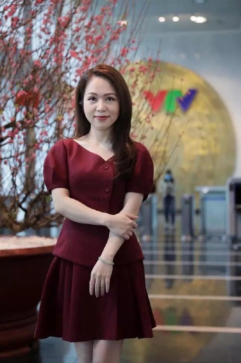 Tất tần tật về MC, BTV Hiền 'cua' - 'bà trùm càkhịa' nổi tiếng của VTV 4