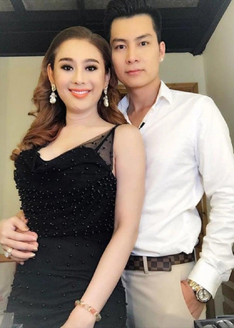 Lâm Khánh Chi vướng nghi vấn bỏ chồng trẻ sau 3 năm chung sống 5