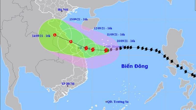 Tin bão khẩn cấp: Bão số 5 giật cấp 13 đổi hướng gây mưa lớn cho miền Trung 1