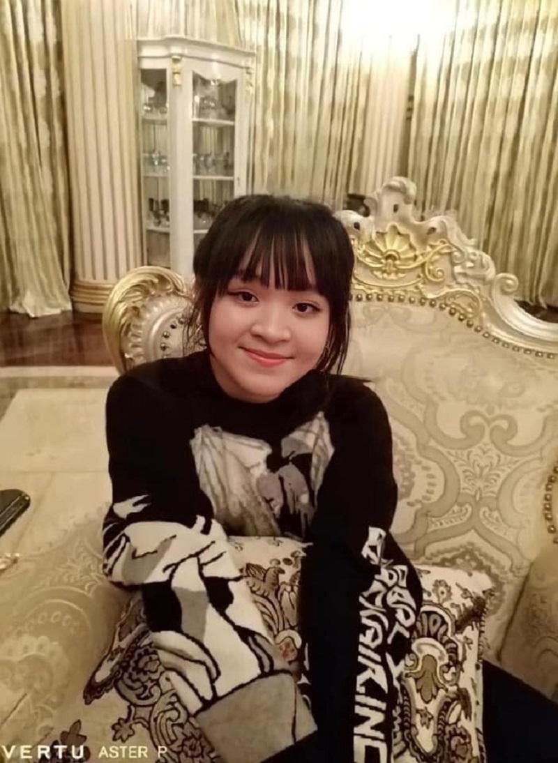 Không nhận ra con gái riêng của bà Phương Hằng, còn lộ một chi tiết 'vượt mặt' mẹ 7