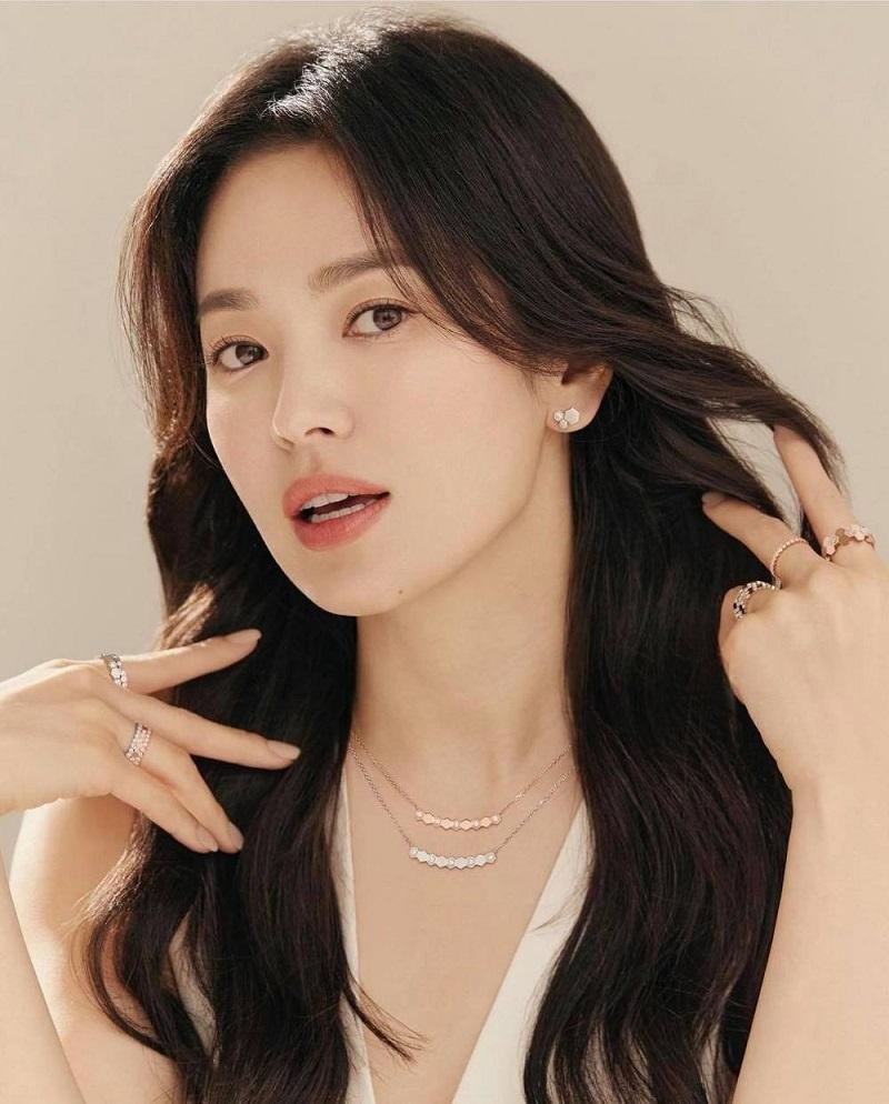 Song Hye Kyo chụp ké vẫn lu mờ vạn vật, xứng danh quốc bảo nhan sắc 4
