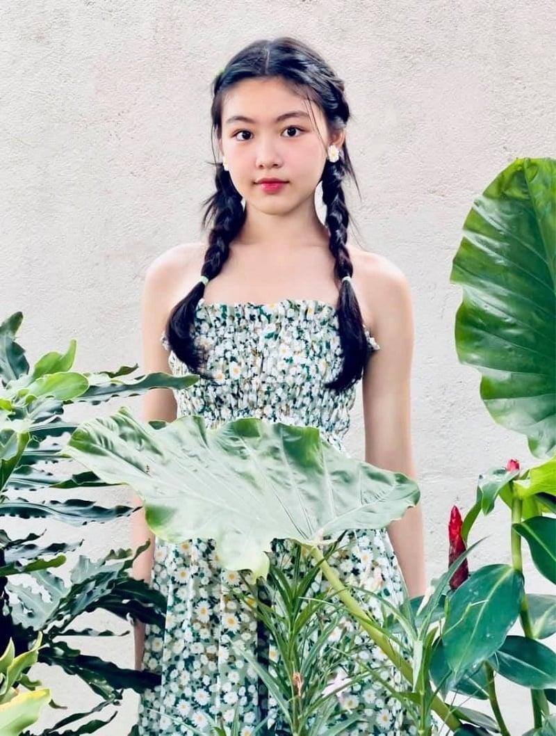 Nhan sắc tuổi 16 của con gái MC được bà Phương Hằng ngưỡng mộ 7