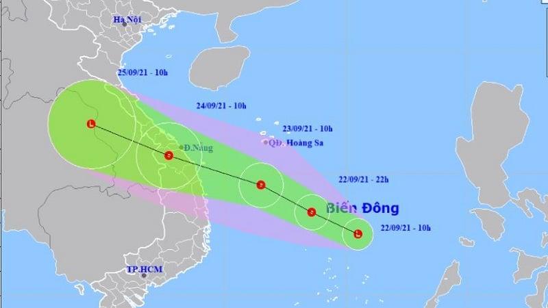 Biển Đông xuất hiện áp thấp, hướng di chuyển nhắm vào miền Trung 1