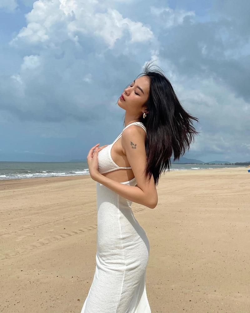 Bản sao Chi Pu khoe body mướt mắt vẫn bị ghẹo: 'Xinh đẹp thì đừng đi hát' 7