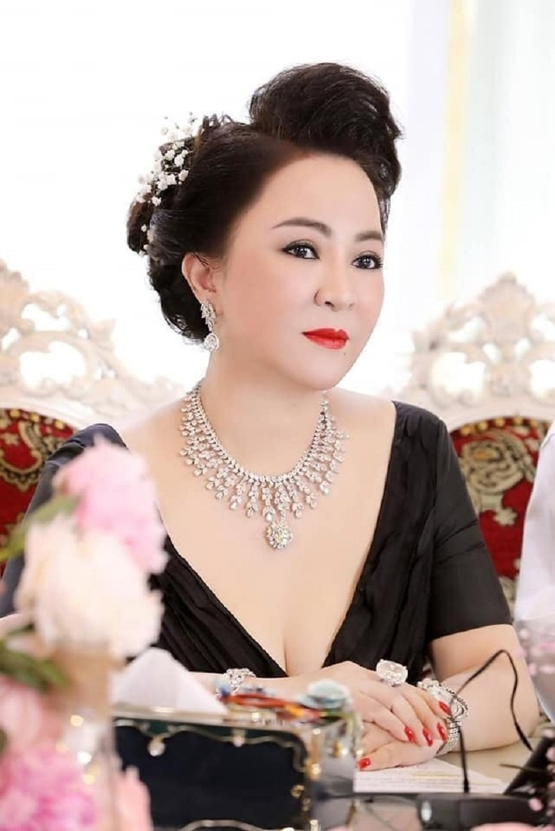 Bà Phương Hằng 'thả rông' nhan sắc, tiết lộ lý do luôn phải che bộ mặt thật 6