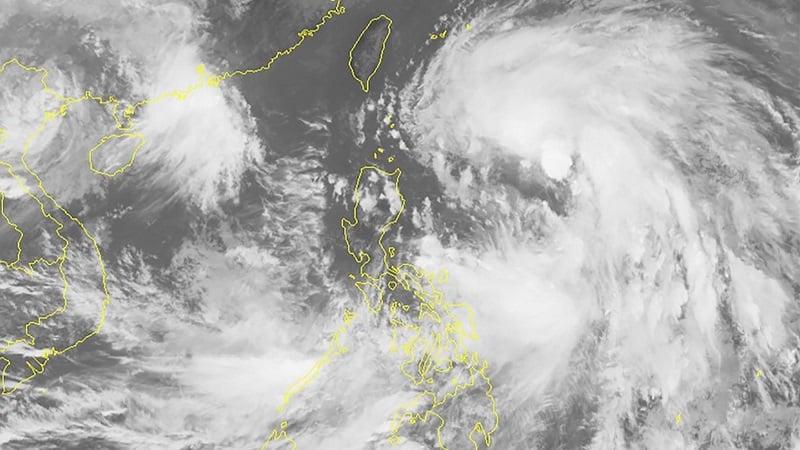 Chưa đầy 1 ngày bão Kompasu sẽ vào biển Đông, giật cấp 13 2
