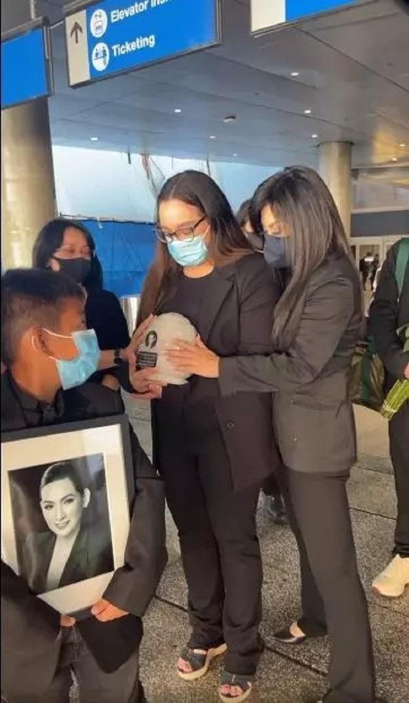Con gái ruột Phi Nhung báo tin dữ trước thềm tang sự cố ca sĩ tại Mỹ 6