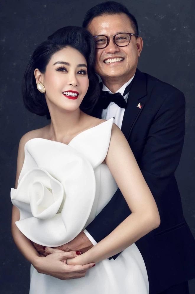 Hậu ồn ào 'con Vua cháu Chúa', Hà Kiều Anh công khai loạt hình ảnh 'cực phẩm' của gia đình 4