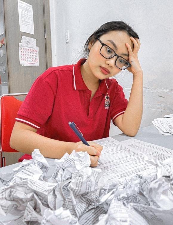 Phương Mỹ Chi bật ngửa khi phát hiện ra sai sót trong điểm thi tốt nghiệp THPT 1
