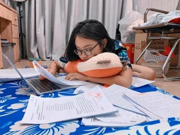 Phương Mỹ Chi bật ngửa khi phát hiện ra sai sót trong điểm thi tốt nghiệp THPT 4