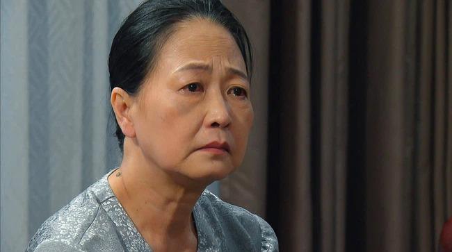 Hương vị tình thân phần 2: 'Ngày tàn' của Thiên Nga cận kề khi gia đình Long nghi ngờ việc 'chuốc thuốc' của ả 3
