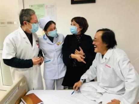 Cảm phục sự lạc quan của NS Giang Còi: Đối diện bạo bệnh bằng tiếng cười, cống hiến cho nghệ thuật trên giường bệnh 1