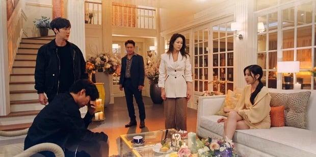 Penthouse 3 tập 10: Liên minh trả thù Ju Dan Tae hình thành khiến hắn bỏ chạy trong hèn hạ 1