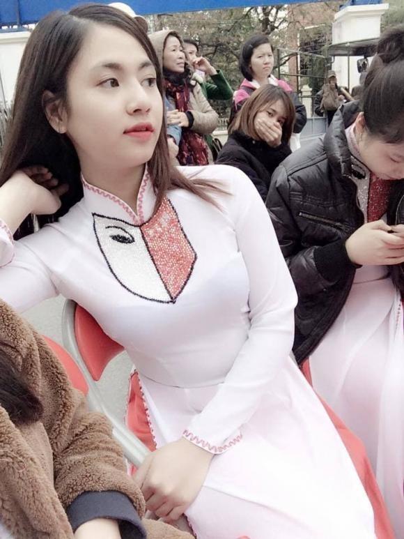 Sao 'Hương vị tình thân' thời còn 'phèn': Mạnh Trường đen nhẻm, Phương Oanh, Thu Quỳnh tự tin thi hoa hậu 16