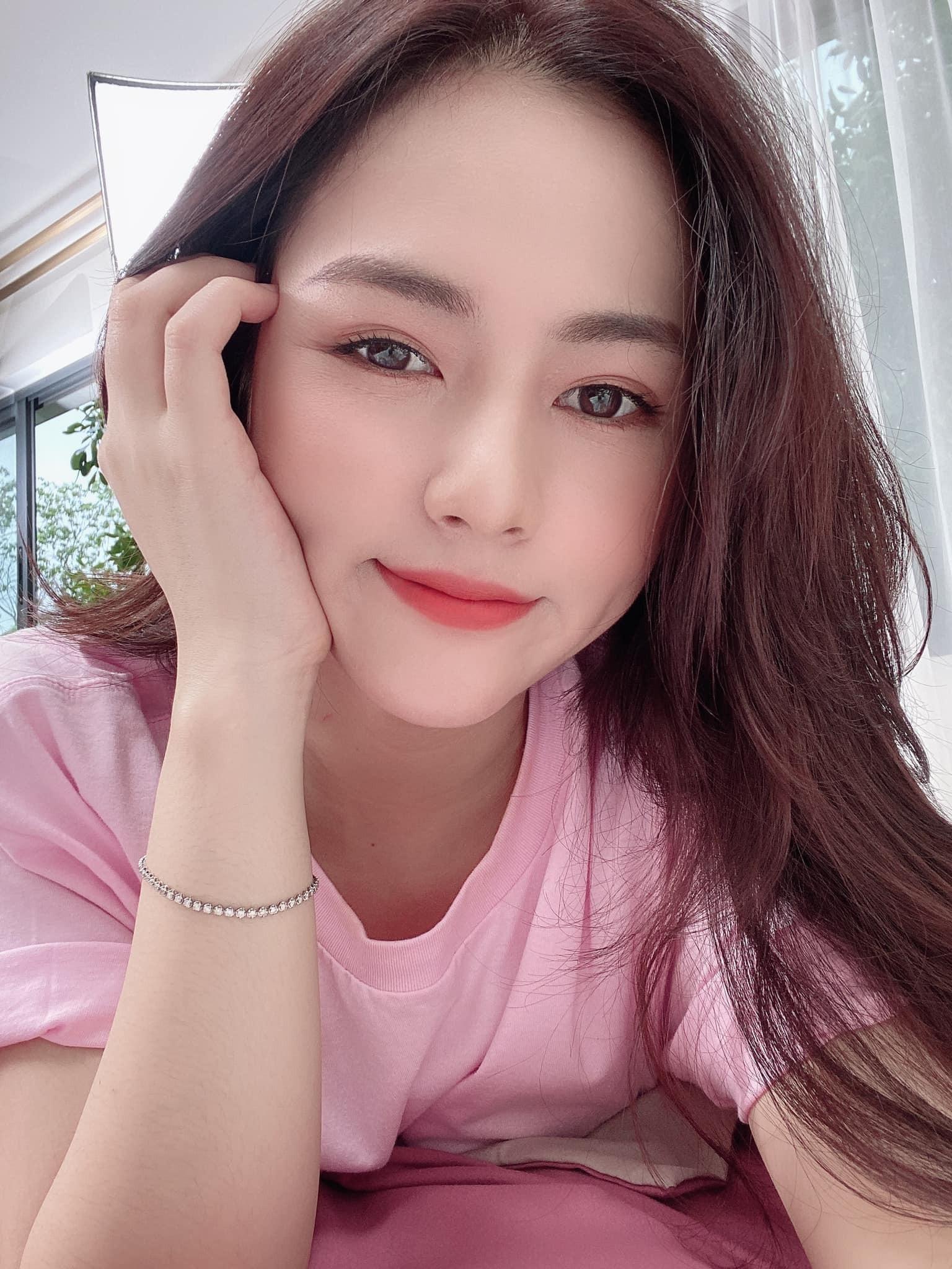 Sao 'Hương vị tình thân' thời còn 'phèn': Mạnh Trường đen nhẻm, Phương Oanh, Thu Quỳnh tự tin thi hoa hậu 15