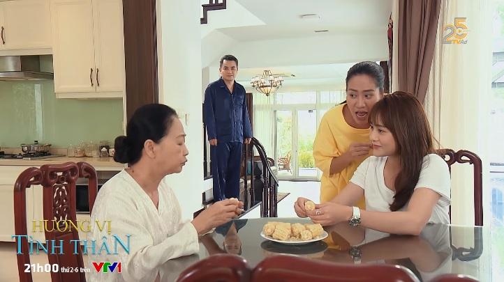 Hương vị tình thân phần 2 tập 11: Bà Xuân bị yêu cầu lánh ra ngoài khi Nam đến chơi nhà 3
