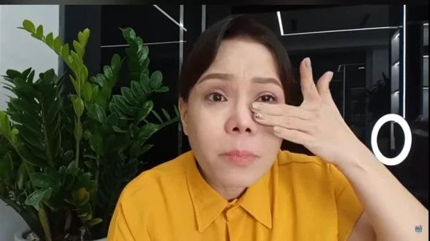 Việt Hương bật khóc, không cam tâm nhận nỗi tủi nhục sau thời gian miệt mài làm từ thiện 3