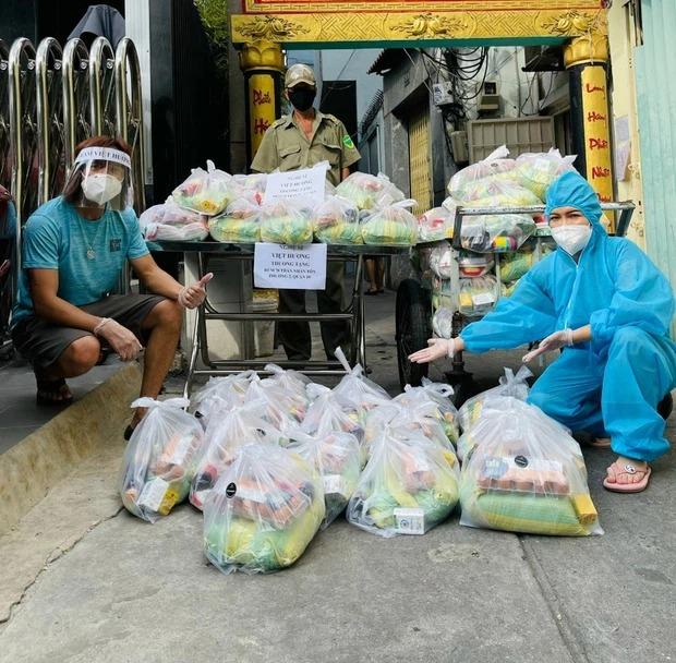 Việt Hương bật khóc, không cam tâm nhận nỗi tủi nhục sau thời gian miệt mài làm từ thiện 4