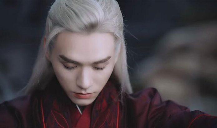 10 mỹ nam cổ trang tóc trắng đẹp ma mị trên màn ảnh Hoa Ngữ 12