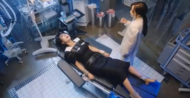 Cuộc chiến thượng lưu 3 tập 11: Cheon Seo Jin về 'chầu trời', Seok Kyung muốn đi tù để 'rửa tội' 6