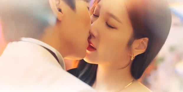 Cuộc chiến thượng lưu 3 tập 12: Ju Dan Tae chờ ngày phục thù, phá banh đám cưới của Su Ryeon và Logan Lee 2
