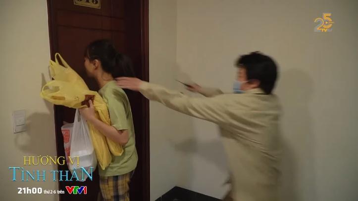 Hương vị tình thân phần 2 tập 21: Kẻ xấu đeo đuổi khiến tính mạng Nam bị đe dọa, bà Xuân bê tha 5