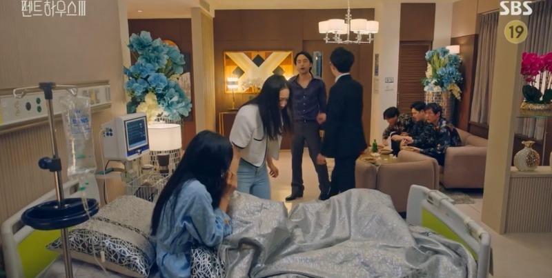 Cuộc chiến thượng lưu 3 tập 12: Shim Su Ryeon ra tay kết liễu Ju Dan Tae nhưng tính mạng không được bảo toàn 2