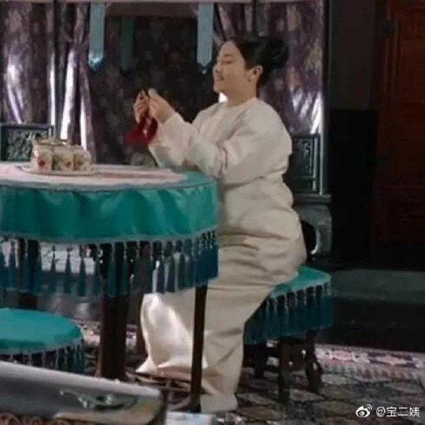 Sao nữ Cbiz mặt ngấn mỡ trong tạo hình cổ trang: Trần Nghiên Hy 'huyền thoại' biếm họa, 'trùm cuối' gây bất ngờ 9