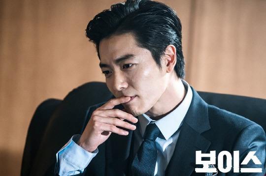 8 tài tử Kbiz vẫn điển trai dù hóa 'ác nhân' trên màn ảnh: Hyun Bin, Lee Jong Suk có mặt! 4