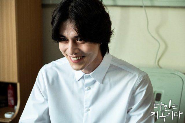 8 tài tử Kbiz vẫn điển trai dù hóa 'ác nhân' trên màn ảnh: Hyun Bin, Lee Jong Suk có mặt! 10