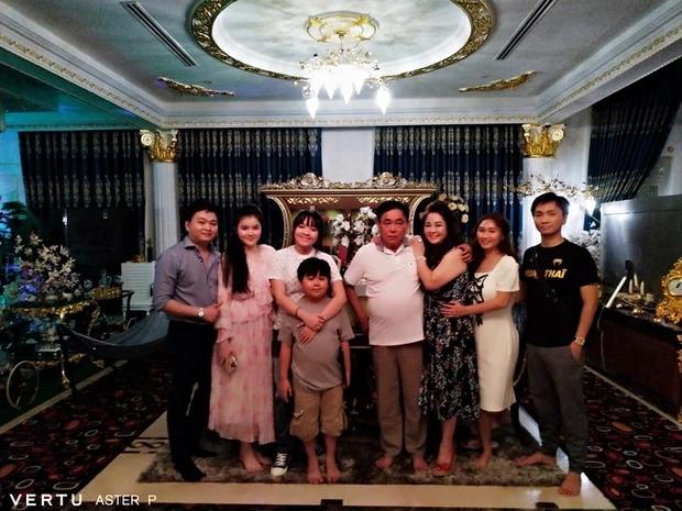 Bà Phương Hằng hiếm hoi hé lộ về hạnh phúc nơi 'danh gia vọng tộc' 1