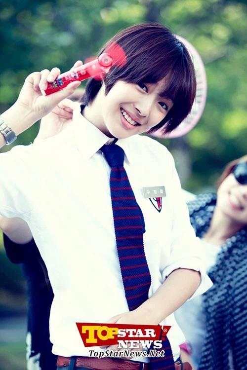 8 mỹ nhân Kbiz giả trai trên màn ảnh: Son Ye Jin tạo hình hài hước, Park Min Young dù thư sinh vẫn cực xinh 14
