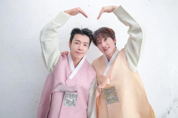 Sao Kbiz nô nức trong Tết Trung thu: BTS cực bảnh với Hanbok, Lisa bánh bèo 15