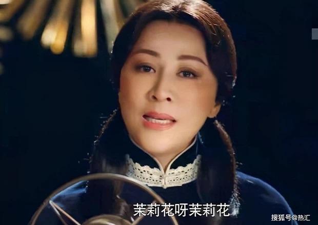 10 mỹ nhân Cbiz 'cưa sừng làm nghé' trên màn ảnh: Triệu Lệ Dĩnh lộ nếp nhăn, Đường Yên quá 'già đời' 14