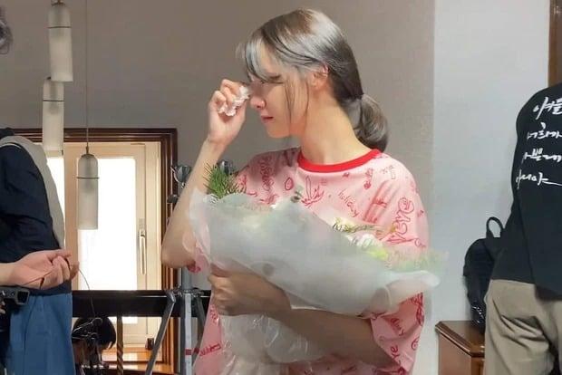 Yoona lộ mặt mộc, mắt sưng húp, nhan sắc liệu còn xứng danh 'nữ thần' như bao người ngợi ca? 3