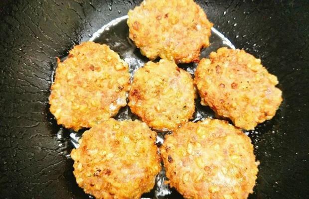 Chỉ 30 phút vào bếp có ngay món chả cốm thơm ngon đưa miệng, đậm đà hương vị mùa thu 5